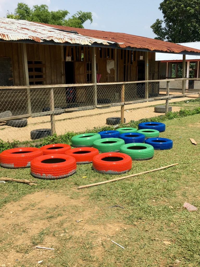 Laos school project - The 2 Seasons
