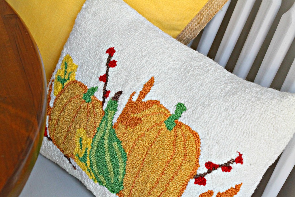 Fall pillow in kitchen - the 2 Seasons