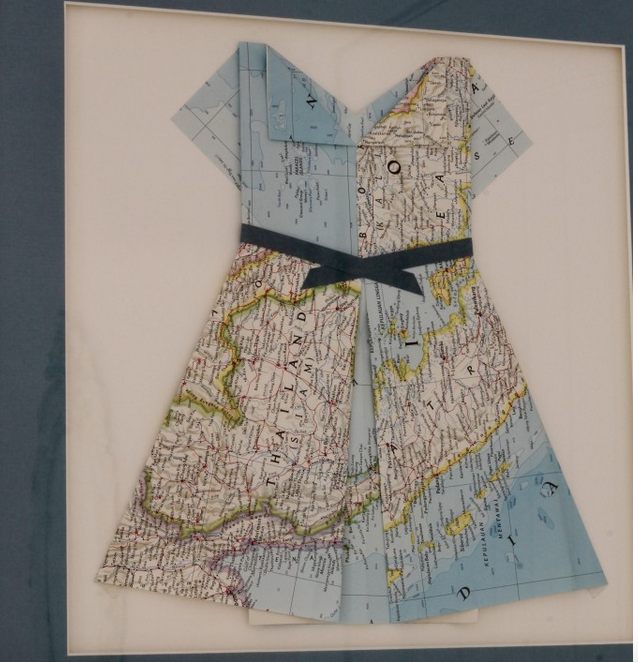 Map dress in Little Miss's room - The 2 Seasons