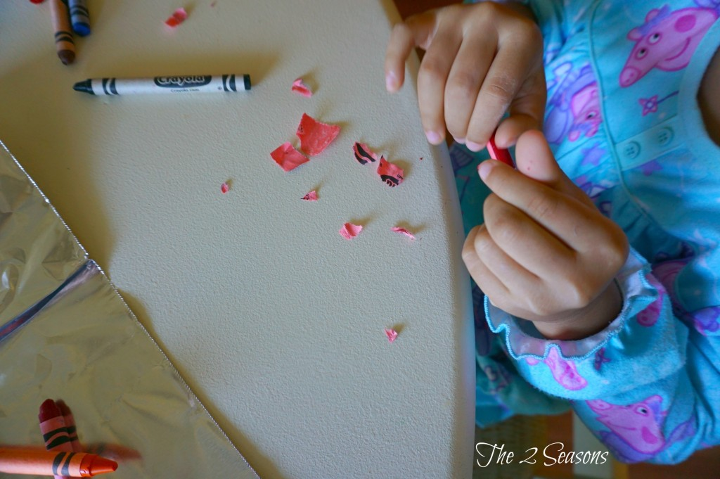 DIY Crayon Ornaments - The 2 Seasons