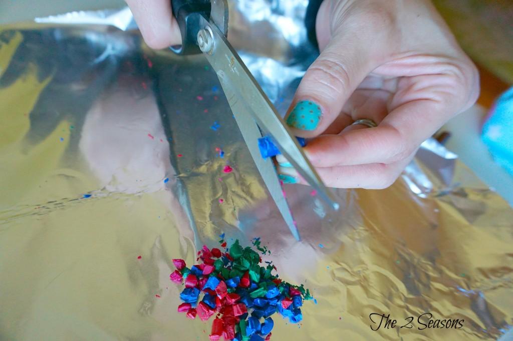 DIY Crayon Ornaments - The 2 Seasons