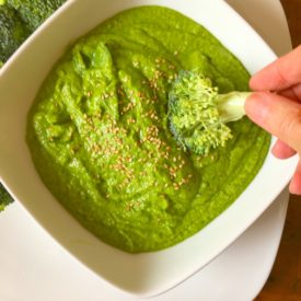 Spinach Hummus - The 2 Seasons