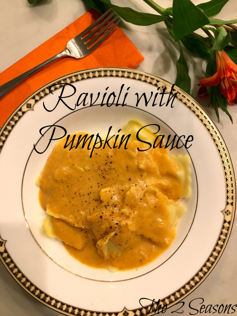 Ravioloi with pumpkin sauce - the 2 Seasons