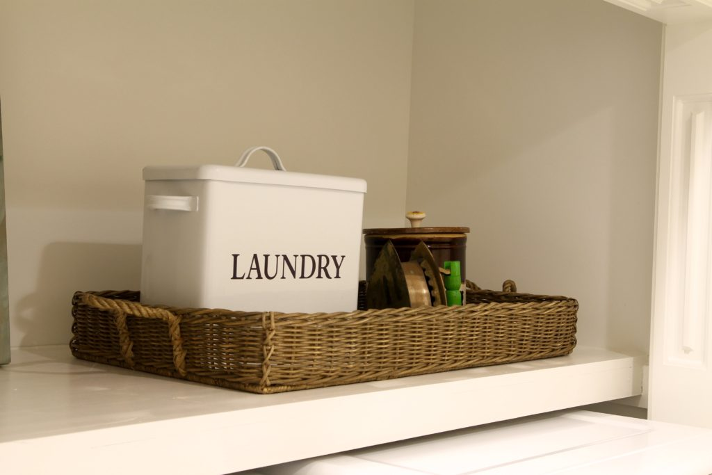 Townhouse laundry room - the 2 Seasons
