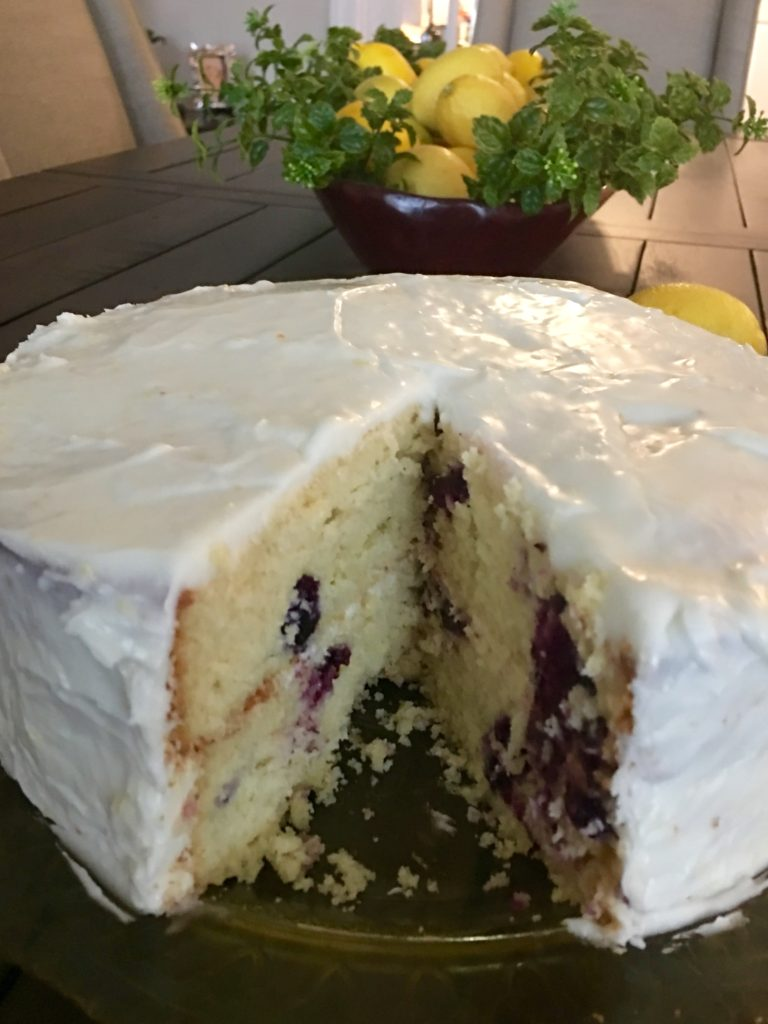 Lemon blueberry cake - the 2 Seasons