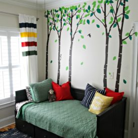 Camping themed bedroom - The 2 Seasons