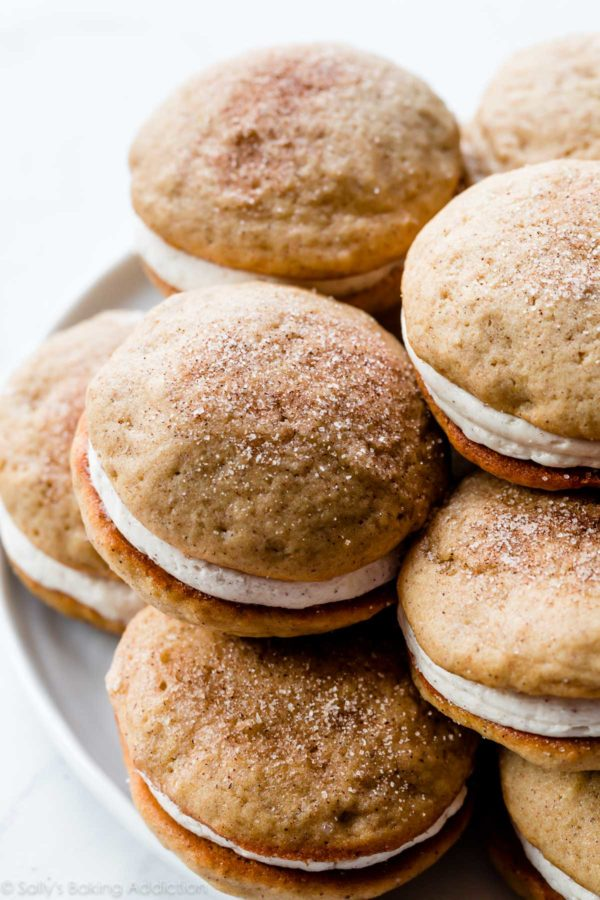 apple spice whoopie pies 2 600x900 - The Seasons' Saturday Selections