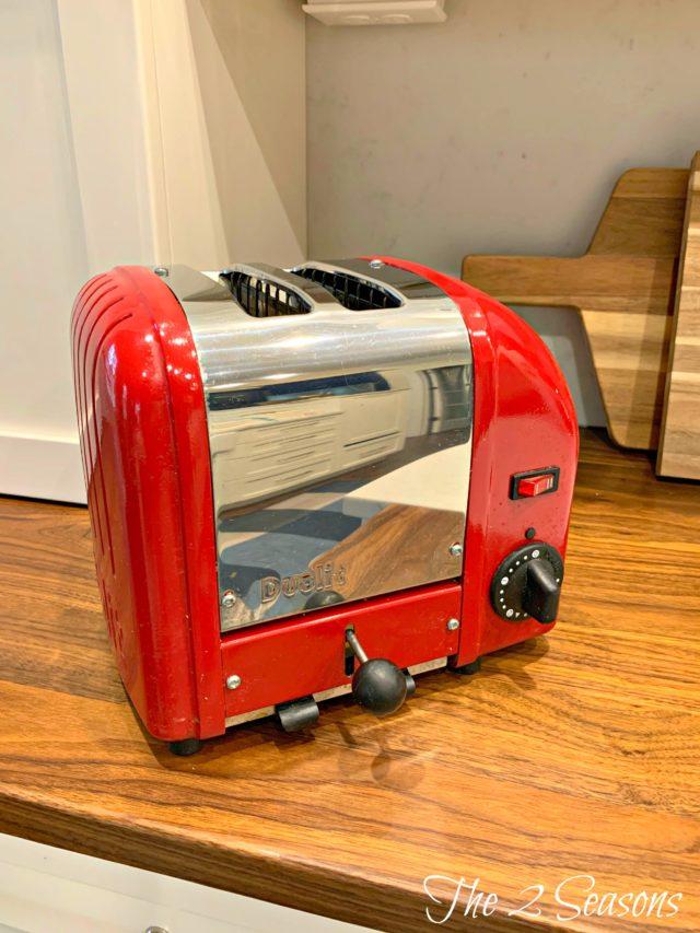 Kitchen 5 1 1 640x853 - Clean These Forgotten Kitchen Items